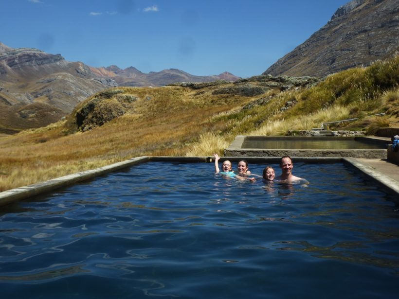 Goñoc hot springs